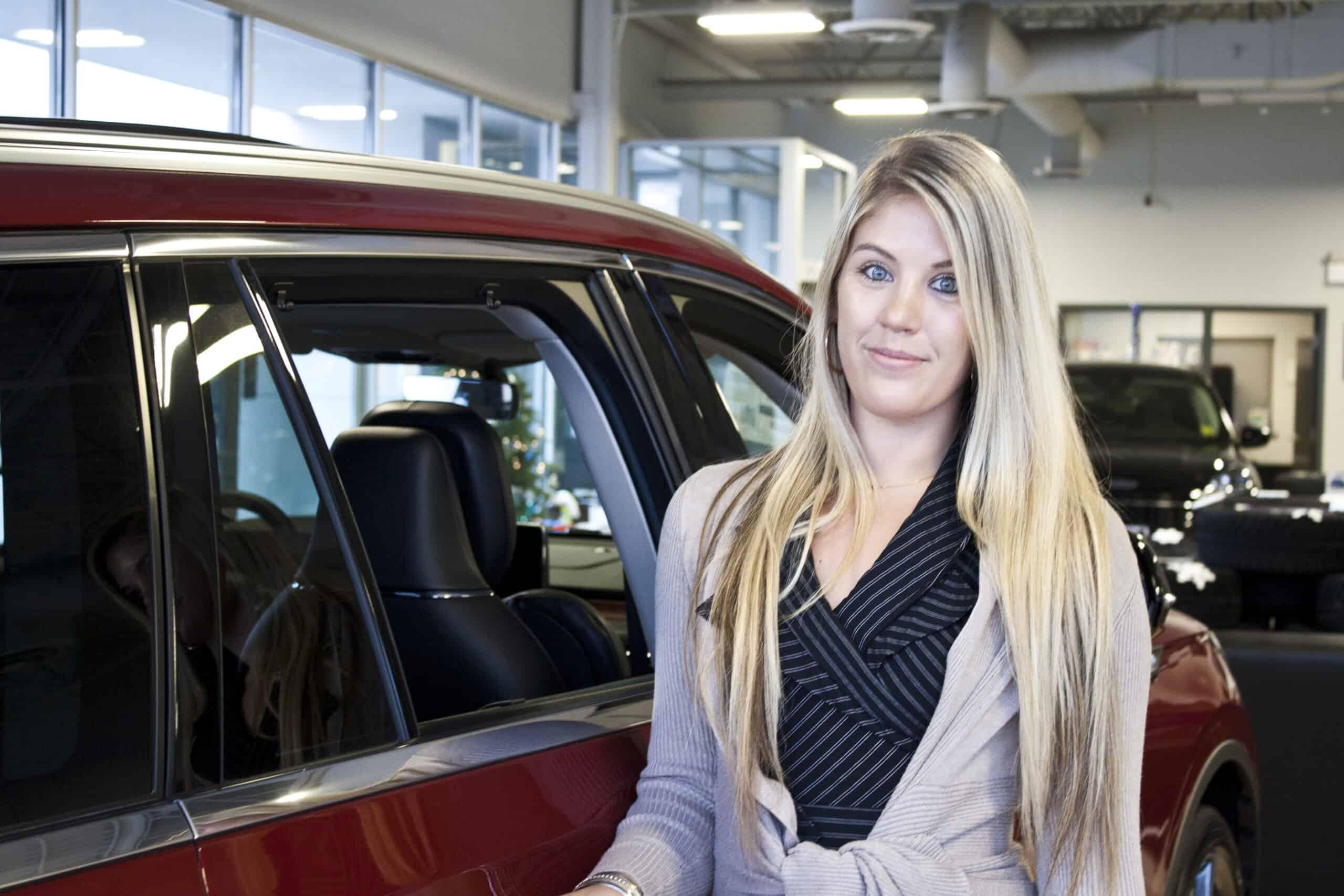 Amy Macoritti : Finance & Insurance Specialist